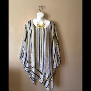 Cato blouse gray/yellow size 22/24W polyester